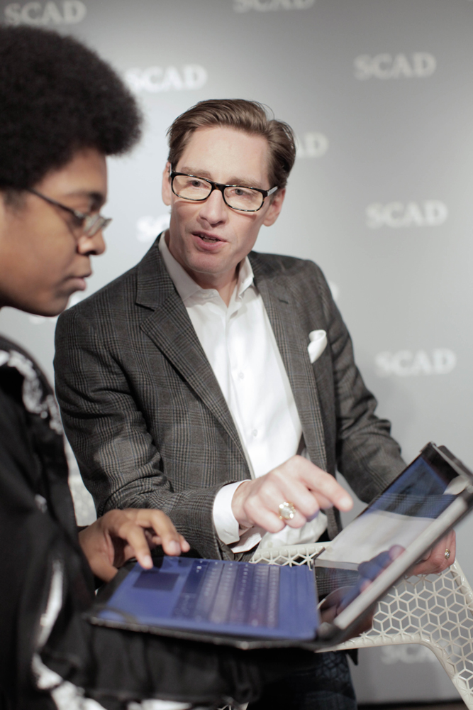 Daniel Lawson gives advice to SCAD student./Photo by Tyler McClelland.